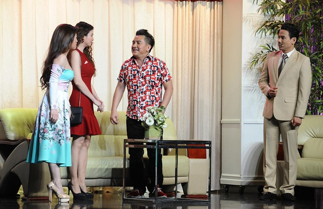Ca sĩ Leon Vũ mang áo dài mặc cho diễn viên Anh Vũ khi nhận thi thể - 2