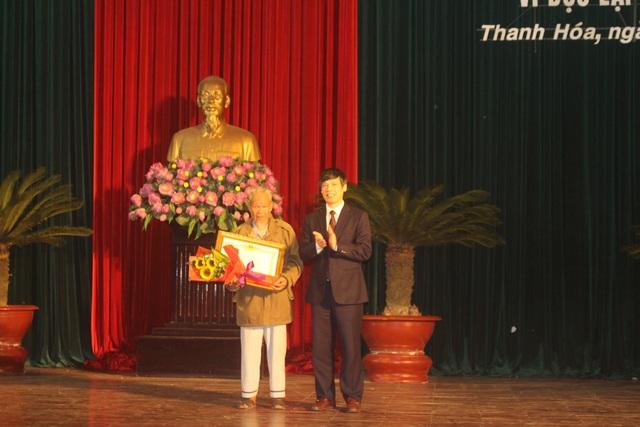 """Truy tặng danh hiệu  """"Bà mẹ Việt Nam Anh hùng"""" và trao tặng Huân chương cho gia đình có nhiều liệt sĩ - Ảnh minh hoạ 2"""