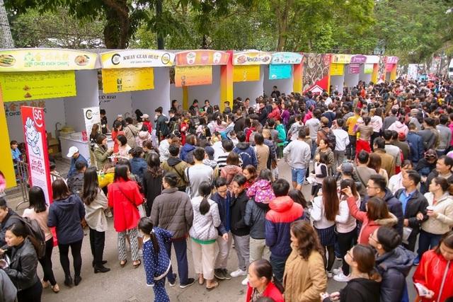 Lễ hội Singapore đầu tiên tại Việt Nam thu hút hàng ngàn người dân phía Bắc - 4