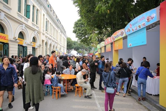 Lễ hội Singapore đầu tiên tại Việt Nam thu hút hàng ngàn người dân phía Bắc - 5