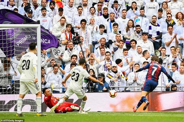 Benzema giúp Real Madrid thắng trận thứ ba thời HLV Zidane - 2