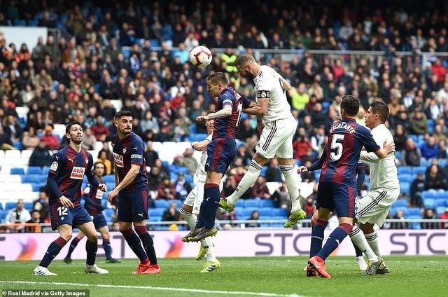 Benzema giúp Real Madrid thắng trận thứ ba thời HLV Zidane - 7