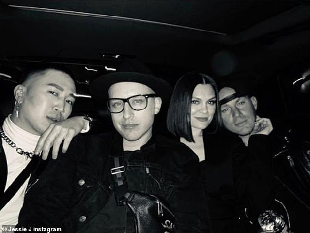 Jessie J và Channing Tatum tình tứ đi ăn tối - 4