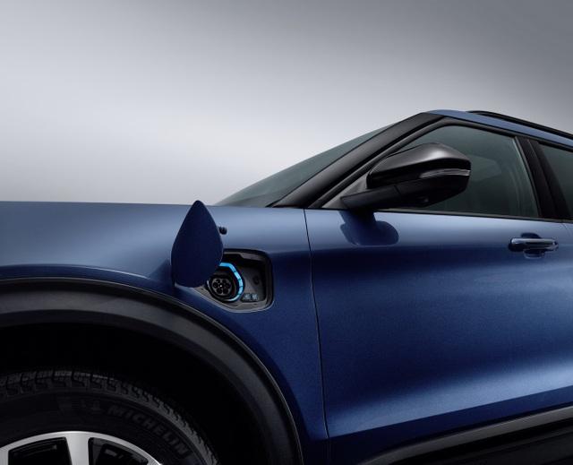 Ford giới thiệu Explorer phiên bản hybrid sạc điện - 2