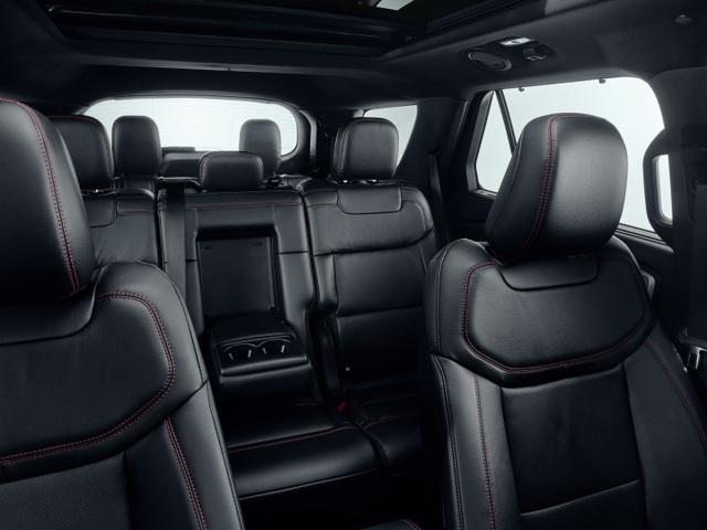 Ford giới thiệu Explorer phiên bản hybrid sạc điện - 8