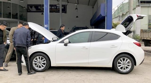 Ô tô cũ nín thở nhìn xe mới liên tiếp giảm giá - 2