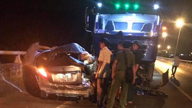 Vụ ô tô vượt ẩu gây tai nạn: 5 nạn nhân thương vong cùng một gia đình - 1