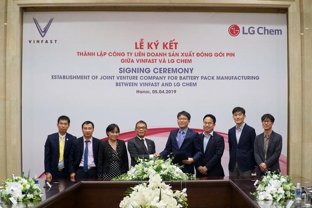 VinFast và LG Chem hợp tác thành lập liên doanh sản xuất pin - 1