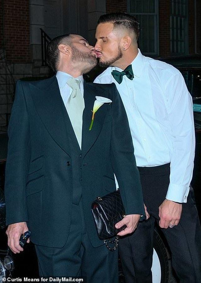 Nhà thiết kế Marc Jacobs kết hôn với bạn trai đồng tính - 2
