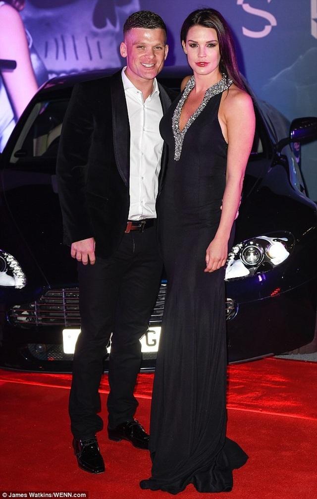 Cựu hoa hậu Anh bất ngờ kết hôn - 7
