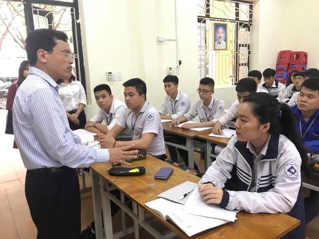 Bộ GDĐT đột xuất kiểm tra công tác chuẩn bị thi THPT quốc gia - 1
