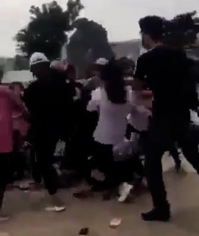 Quảng Ninh: Xác minh vụ nữ sinh bị đánh hội đồng đến tụ máu đầu - 2
