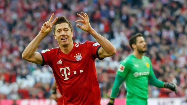 Hủy diệt Dortmund 5-0, Bayern Munich nhảy lên đầu bảng - 1