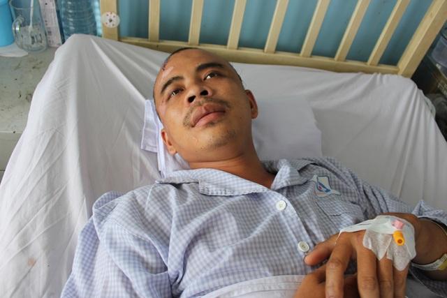 Con bị tai nạn, mẹ khóc lặng vì không có tiền đóng viện phí cứu con - 4