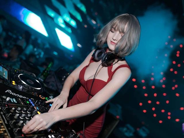 Vẻ đẹp bốc lửa của nữ DJ Ukraine đang chơi nhạc ở Hà Nội - 8