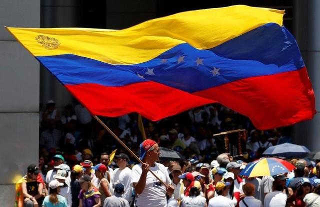 Biểu tình rúng động Venezuela, thủ lĩnh đối lập kêu gọi gây sức ép chưa từng có với chính quyền - 4