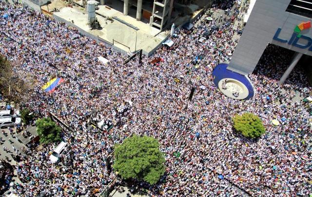 Biểu tình rúng động Venezuela, thủ lĩnh đối lập kêu gọi gây sức ép chưa từng có với chính quyền - 3