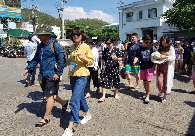 Khánh Hòa đón gần 1,6 triệu lượt khách lưu trú trong 3 tháng đầu năm - 3