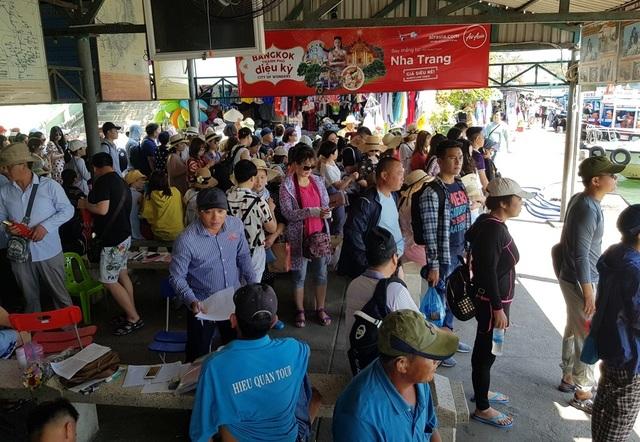 Khánh Hòa đón gần 1,6 triệu lượt khách lưu trú trong 3 tháng đầu năm - 6