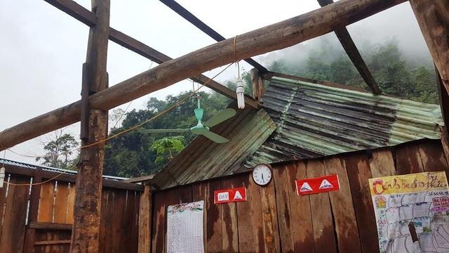 Trường học tan tác sau trận bão lốc trong đêm - 2