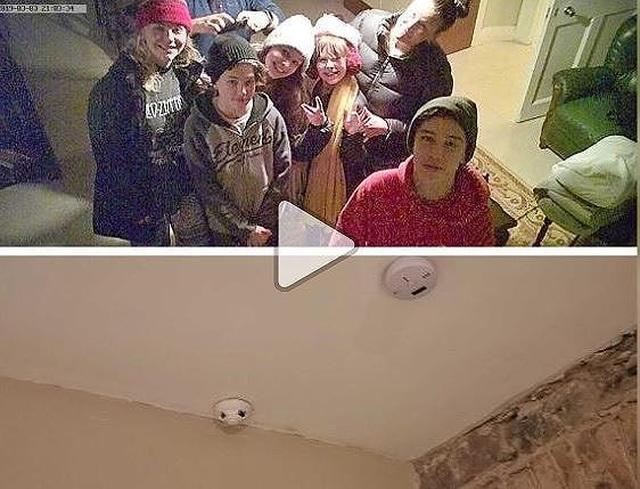 Khách thuê phòng phát hiện camera giấu kín livestream - 1
