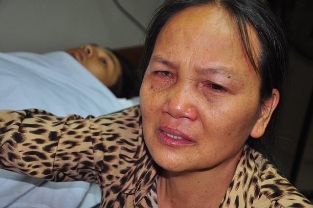 Mẹ bị ung thư khóc cạn nước mắt trước cảnh con bị tai nạn thập tử nhất sinh - 1