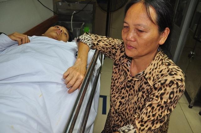 Mẹ bị ung thư khóc cạn nước mắt trước cảnh con bị tai nạn thập tử nhất sinh - 6