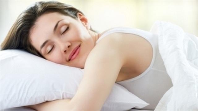 Chất lượng giấc ngủ ảnh hưởng sức khỏe tình dục thế nào? - 1