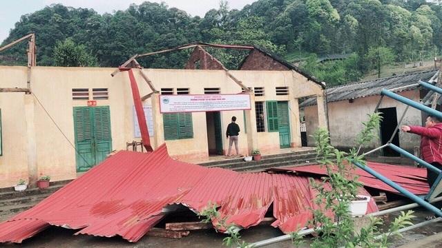 Trường học tan tác sau trận bão lốc trong đêm - 12