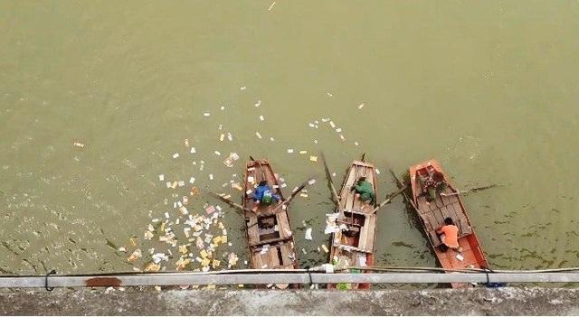 Nữ kế toán gieo mình xuống sông Lam tự tử - 2
