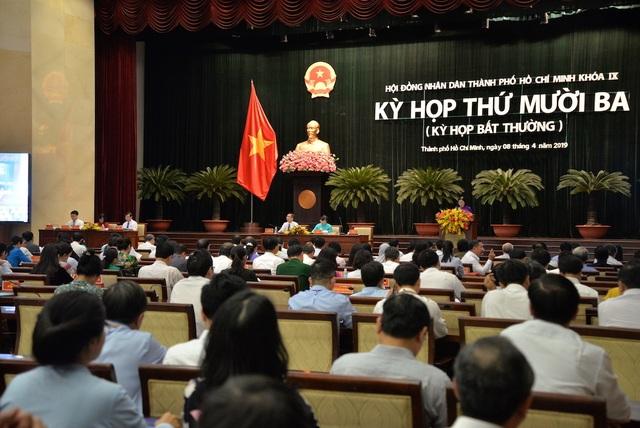 720 tỷ đồng chi tăng thêm cho cán bộ làm nóng nghị trường TPHCM - 1