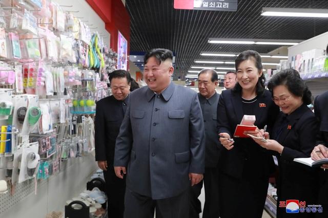 Lý do ông Kim Jong-un thị sát hàng loạt công trình trọng điểm tại Triều Tiên - 12