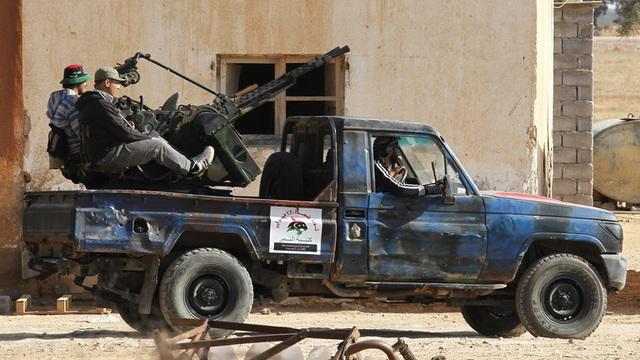 Chiến sự Libya nóng trở lại, Mỹ rút quân khẩn cấp - 1