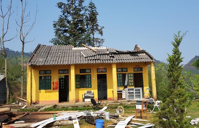 Trường học tan tác sau trận bão lốc trong đêm - 13