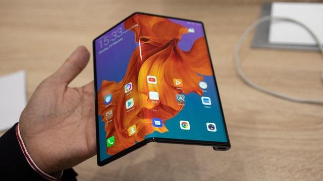 Smartphone màn hình gập của Huawei chính thức lên kệ vào tháng 6 - 1