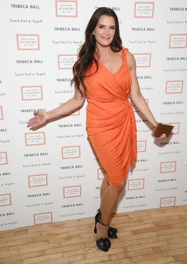 Brooke Shields vẫn trẻ đẹp ở tuổi 54 - 4