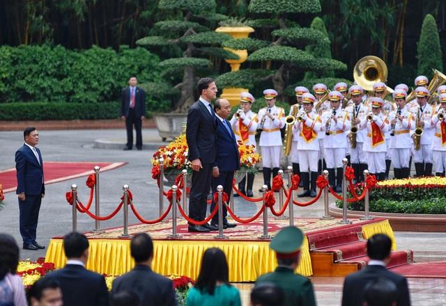 Thủ tướng Nguyễn Xuân Phúc chủ trì lễ đón chính thức Thủ tướng Hà Lan - 3