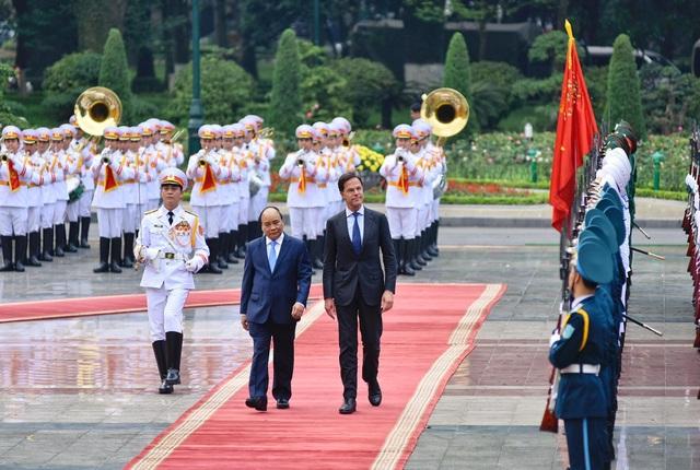 Thủ tướng Nguyễn Xuân Phúc chủ trì lễ đón chính thức Thủ tướng Hà Lan - 5