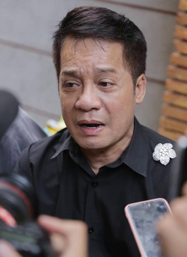 Minh Nhí, Hồng Vân khóc nức nở khi khi trang điểm cho Anh Vũ lần cuối - 5