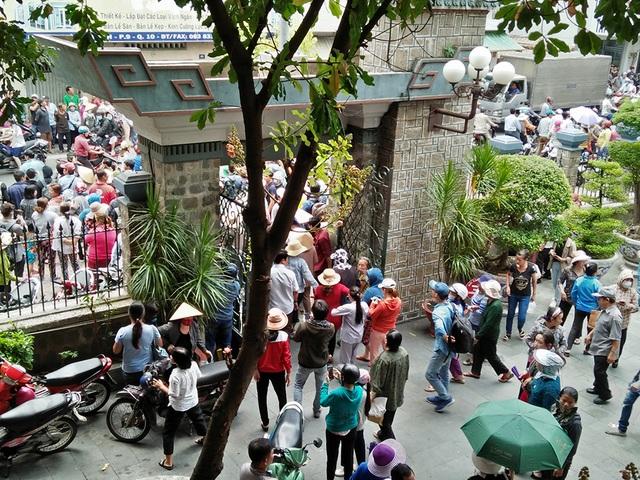 Linh cữu Anh Vũ đã về đến chùa Ấn Quang - Ảnh minh hoạ 3
