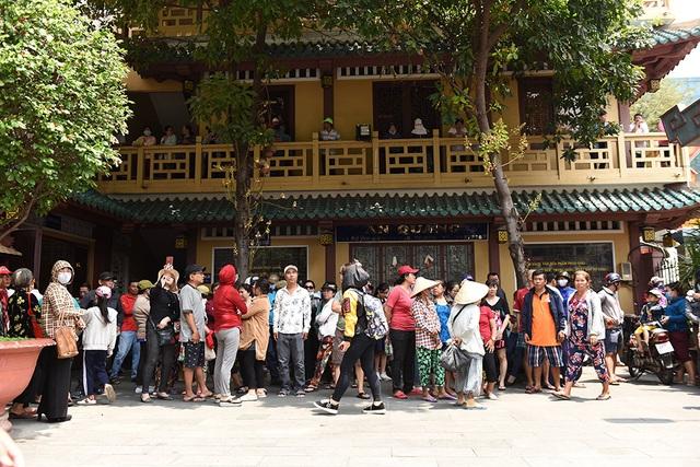 Linh cữu Anh Vũ đã về đến chùa Ấn Quang - Ảnh minh hoạ 2