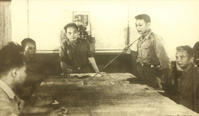 """Tướng Đồng Sỹ Nguyên và kế hoạch tiêu diệt """"quạ sắt"""" AC130 trên bầu trời Trường Sơn - 4"""