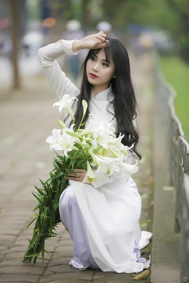 Hoa khôi Tài chính xinh đẹp, đa tài, kiếm hàng chục triệu đồng mỗi tháng - 1