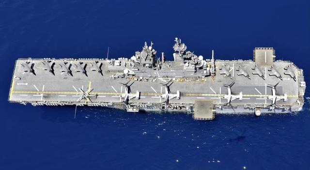 Tàu chiến Mỹ nghi xuất hiện gần bãi cạn tranh chấp trên Biển Đông - 1