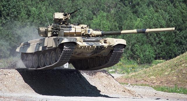 Ấn Độ chốt kế hoạch mua gần 500 xe tăng Nga - 1
