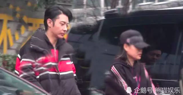 """Mỹ nhân U50 Hồng Kong bị chồng trẻ """"cắm sừng"""" - 10"""