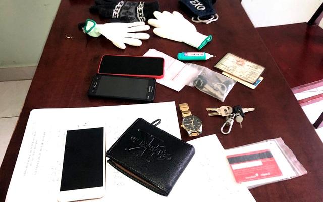 CSGT tóm gọn 2 tên cướp thực hiện 4 vụ trong một buổi sáng - 2
