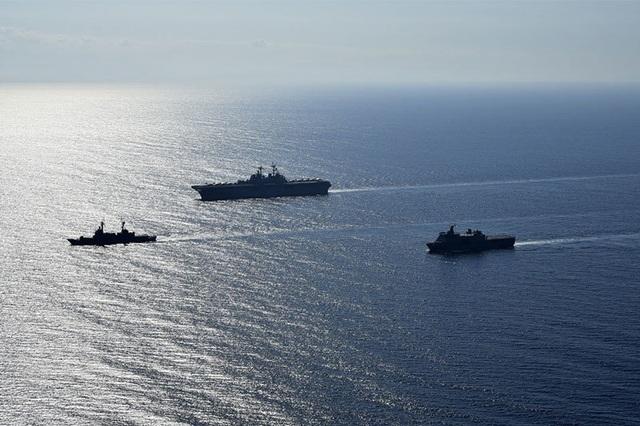 Tàu chiến, máy bay Mỹ - Philippines tập trận rầm rộ trên Biển Đông - 2