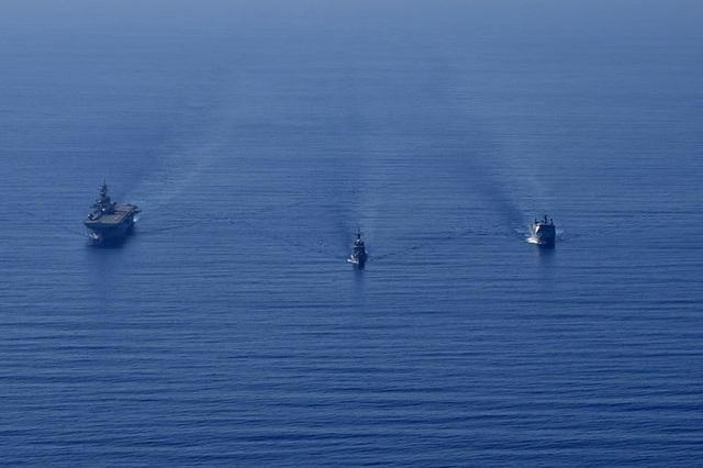 Tàu chiến, máy bay Mỹ - Philippines tập trận rầm rộ trên Biển Đông - 3