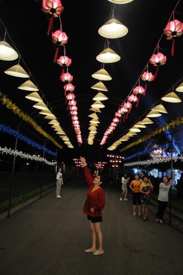 Di dời các mặt hàng phản cảm tại Festival văn hóa ở Hoàng thành Thăng Long - 6